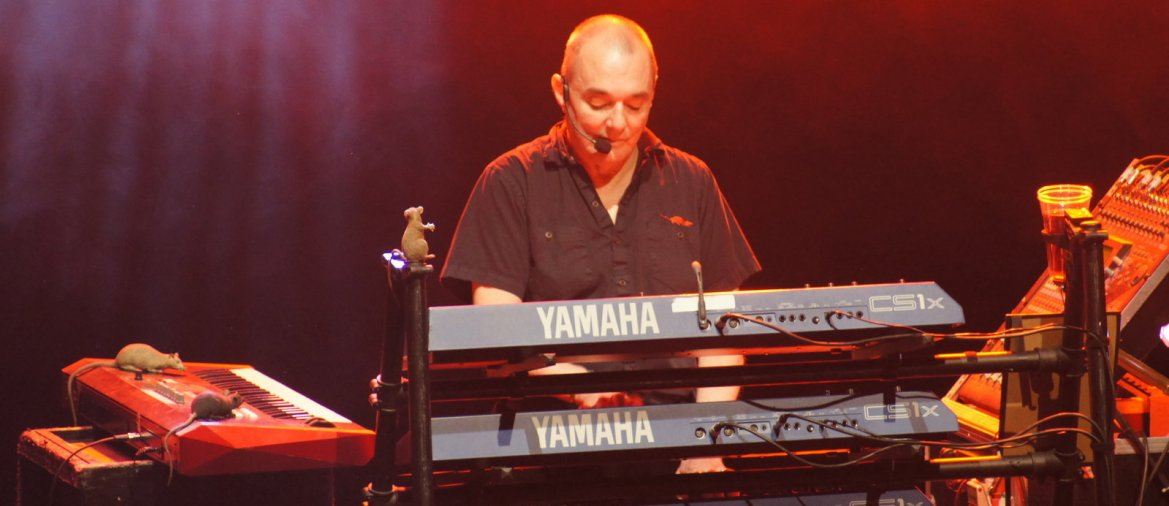 "Dave Greenfield, Keyboarder der ""Stranglers"" ist verstorben.  - © By Stranglers French Forum/commons.wikimedia.org"