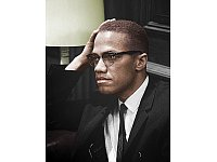 Malcolm X war ein überzeugter Muslim. - © Marion S. Trikosko (color by emijrp) [Public domain], from Wikimedia Commons