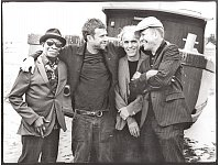 Damon Albarn (2. v. l.) meldet sich mit den Kollegen von The Good, The Bad & The Queen zurück. - © Pennie Smith