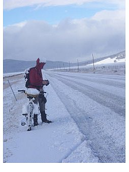 Winter-Abenteuer in Montana. Foto: www. adventurecycling.org