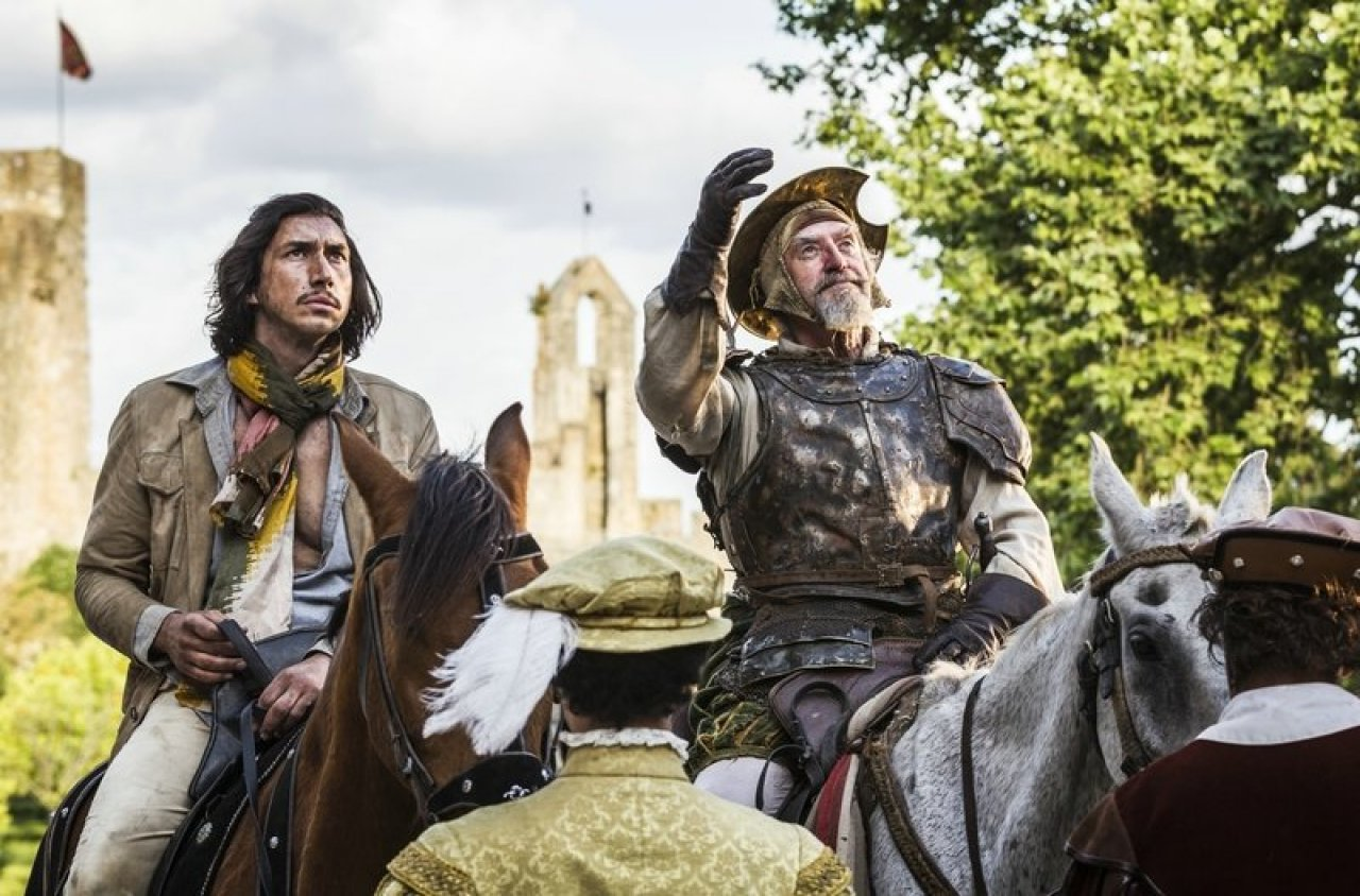 "Durch ein hyperfantastisches Filmabenteuer reiten Adam Driver (l.) und Jonathan Pryce in ""The Man Who Killed Don Quixote"". - © Filmladen"