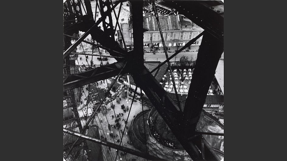 <span style=&#34;font-weight: bold;&#34;>Riesenrad im Prater, Wien, 1931</span> - &copy; Scottish National Portrait Gallery / Archive presented by Wolfgang Suschitzky 2004&nbsp;