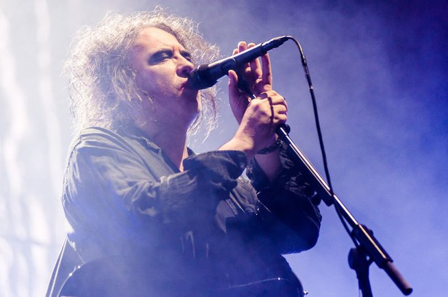 """It can never be the same"" – doch, kann es! The Cure um Robert Smith live in Wien St. Marx. - © MATTHIAS HOMBAUER"